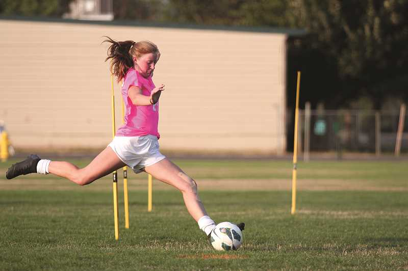 Junior class paces North Marion girls soccer program this fall