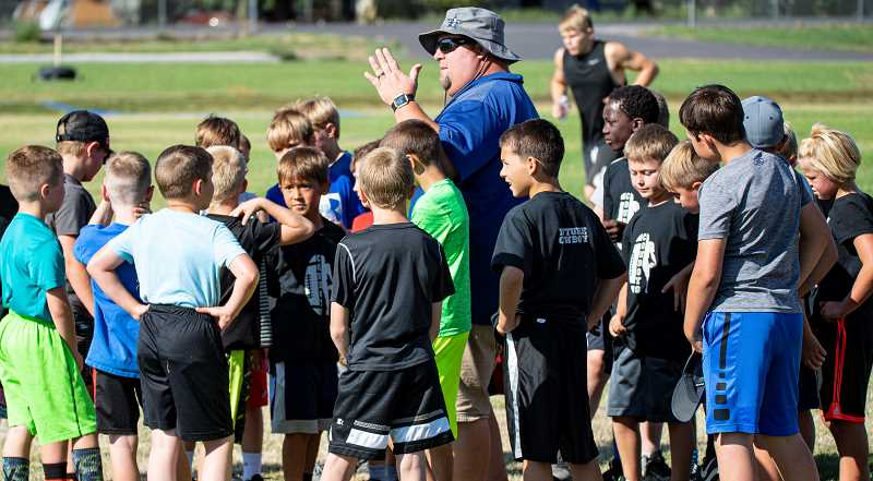 LON AUSTIN.CENTRAL OREGONIAN