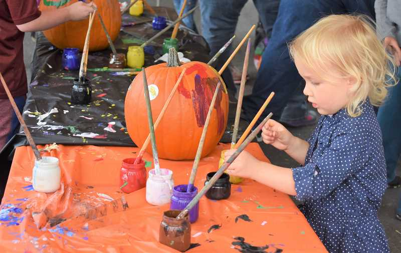 PMG FILE PHOTO - The Estacada Harvest Festival is scheduled for 1-5 p.m. Saturday, Sept. 28, at Harvest Market Square, 208 N. Broadway St., and will feature a variety of activities for children.