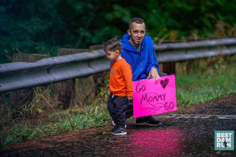 COURTESY PHOTO: OREGON ROAD RUNNERS CLUB - A family supports one of the participants in the Best Dam Run last year.
