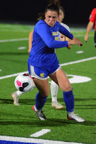 PMG PHOTO: DAVID BALL - Barlows Abi Hoffman controls a ball along the sideline during the late stages of Wednesdays 1-1 draw with Lakeridge.