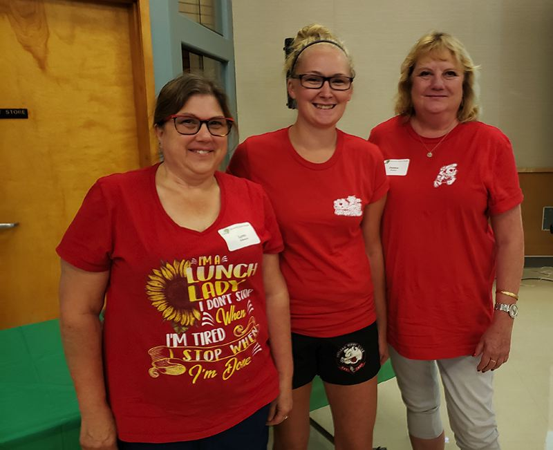 Lynn Aleksich, Ashley Morris, and Debbie Poyser won the Making A Difference Award and a $250 cash gift provided by an anonymous donor.