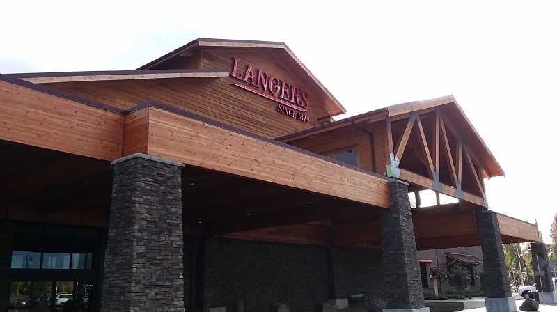PMG PHOTO: RAY PITZ - Langers: Since 1879 Entertainment Center features 50 full-size arcade games.
