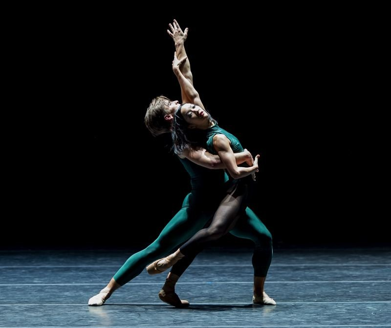 COURTESY PHOTO: YIN YI - Oregon Ballet Theatre brings back William Forsythe's 'In the Middle, Somewhat Elevated' (above, with Peter Franc and Xuan Cheng) for its 30th season-opening show, 'OBT ROAR(S).'