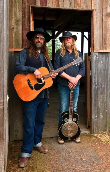 PMG FILE PHOTO - Matt Cadenelli and Kris Stuart front Portland country-rockers Wanderlodge, which will bring warm autumnal sounds to the McMenamins Edgefield Winery Tasting Room on Saturday, Oct. 26.