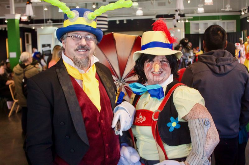 PMG PHOTO: CHRISTOPHER KEIZUR - Tom and Allie Spencer dressed as Pinocchio and Jiminy Cricket