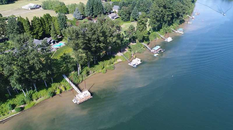 COURTESY PHOTO: WILLAMETTE RIVERKEEPERS - The Willamette RIverkeepers say that water turbidity is one of the negative effects of large wakes.
