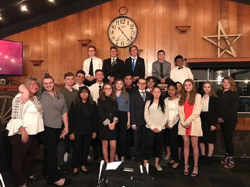 Molalla FBLA gets out into community