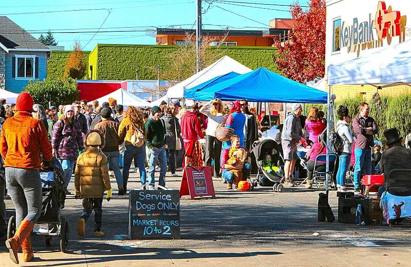 DAVID F. ASHTON - Nice weather brought out many shoppers, to the last weekly Sunday Woodstock Farmers Market of the 2019 season.