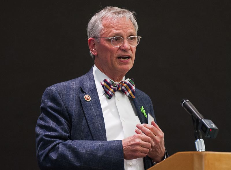 PORTLAND TRIBUNE FILE PHOTO - Oregon Congressman Earl Blumenauer wants TriMet to play an even bigger role in the region's transportation system., Portland Tribune - News  Blumenauer urges TriMet to put transportation funding measure on November 2016 ballot