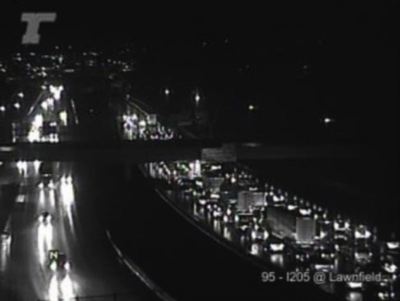 ODOT TRIPCHECK - ll northbound lanes of I-205 are closed before the Sunnyside Road exit/