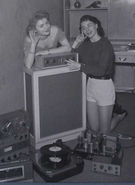 KURT DOSLU CONNECTION - A couple of unidentified analog gals.