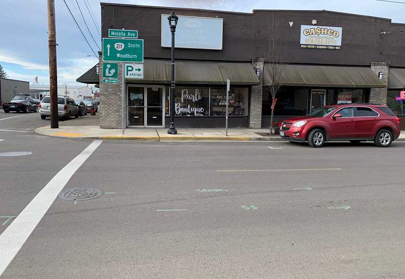 PMG PHOTO: CAROL ROSEN - ParLi Boutique is located at the corner of Molalla Avenue and Highway 211.