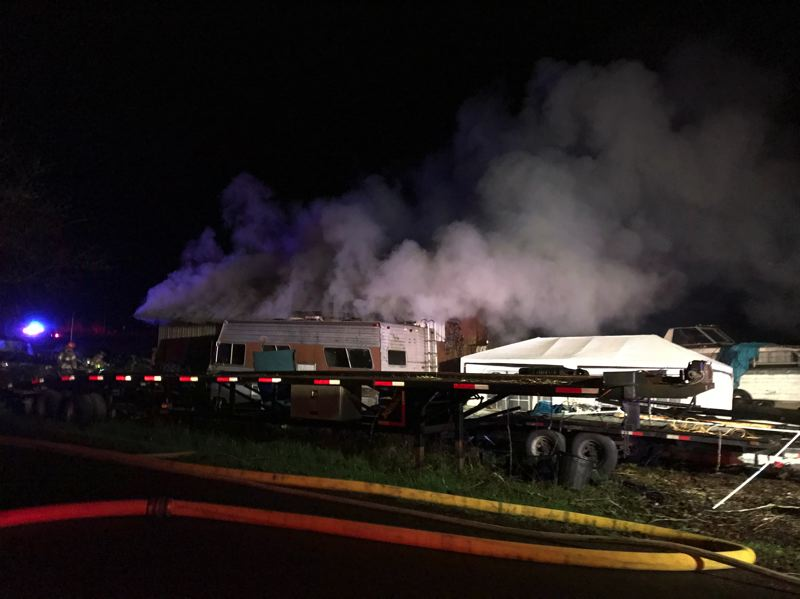 2,000-square-foot barn burns outside Gaston
