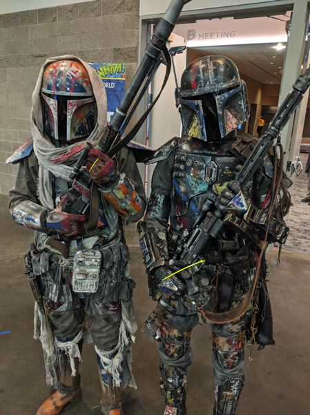 (Image is Clickable Link) The Wizard World convention brought several Mandalorians to Portland. For convention purposes, Mandalorians differ from Rotarians thusly: One carries a traditional Mandalorian saber, primarily forged from nearly indestructible beskar iron; the other does volunteer services.