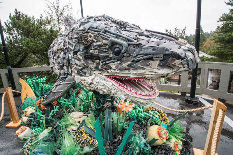 COURTESY PHOTO: MICHAEL DURHAM/OREGON ZOO - The 'Washed Ashore' exhibit of sculptures by Angela Haseltine Pozzi will be at Oregon Zoo until September.