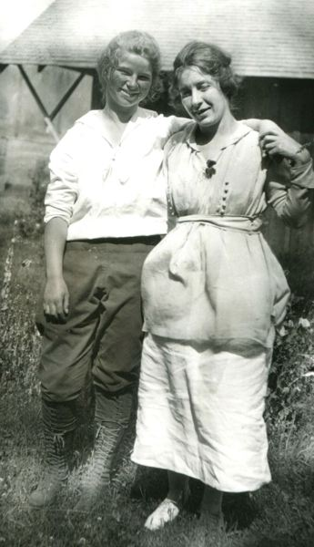 COURTESY PHOTO: BILL WHITE - Lutie, left, when she was 15 in 1917 with her stepmother Jennie (Faubion) Welch.