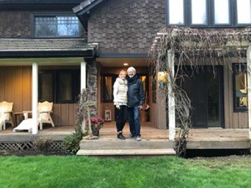Lake Oswego residents Liane and Richard Cabot have purchased The Brookside Inn, a wedding and event venue in wine country near Carlton. They are offering a fun Valentine getaway this weekend. Come for dinner only or stay over and enjoy the ambience.