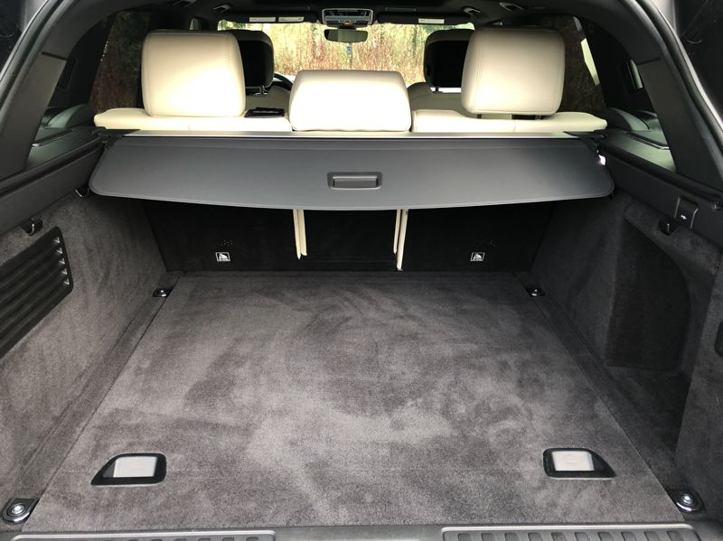 PMG PHOTO: JEFF ZURSCHMEIDE - When you need to carry cargo, the Range Rover Sport gives you 59.5 cubic feet of carrying capacity.