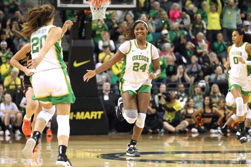 PMG PHOTO: JAIME VALDEZ - A native of Fairbanks, Alaska, Ruthy Hebard (center) is wrapping up a monumental career with the Oregon Ducks.