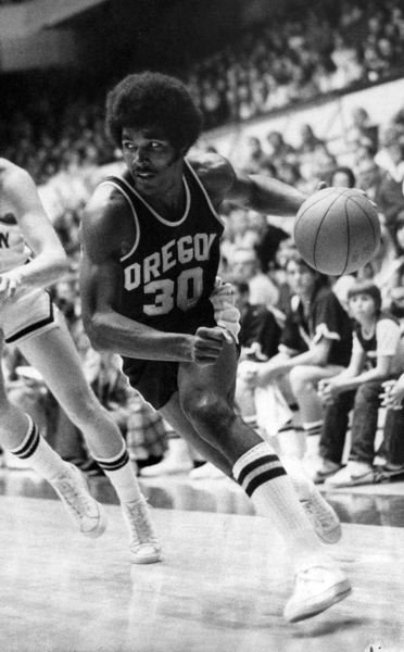 COURTESY: OREGON ATHLETIC COMMUNICATIONS - Ronnie Lee used his talents and hustle to star at both end of the court for coach Dick Harter's Oregon Ducks.