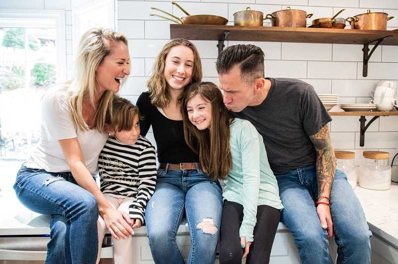 COURTESY PHOTO: AMY SHICK PHOTOGRAPHY - Amber and Shaun with their children Bella, Amelia and Virginia Albin.