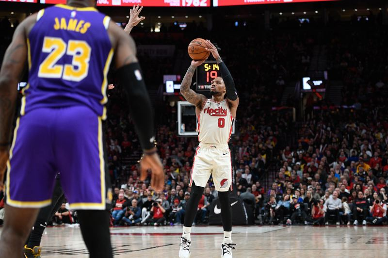 PMG PHOTO: CHRISTOPHER OERTELL - Damian Lillard of the Trail Blazers shoots against the Los Angeles Lakers.