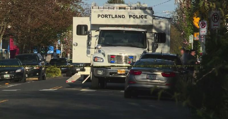 KOIN 6 NEWS - The Portland Police Bureau set up its Mobile Command Center in the Richmond Neighborhood as authorities searched for armed suspects who fled from a traffic stop.