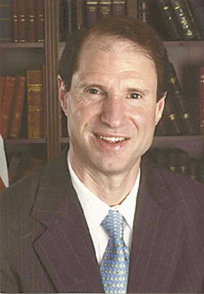 CENTRAL OREGONIAN - Sen. Ron Wyden
