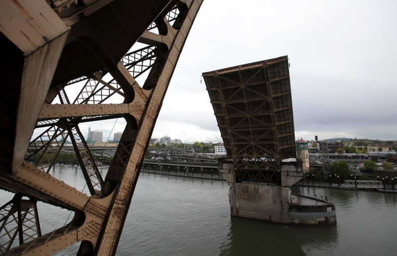 PMG FILE PHOTO - A Multnomah County task force recommended June 15 that the county spend about $825 million to replace the 94-year-old Burnside Bridge with a new long-span alternative.
