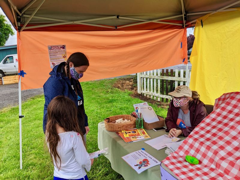 Estacada library connects kids with stories during pandemic