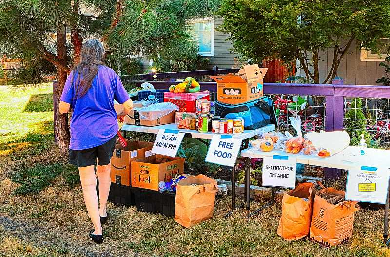 'Pop-up pantries' provided by Brentwood-Darlington families