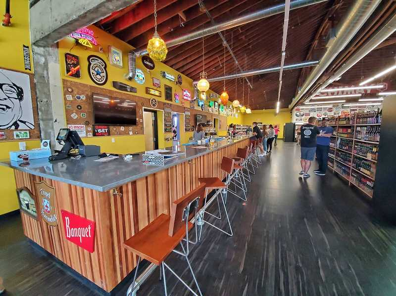 (Image is Clickable Link) The bar at John's Marketplace SE