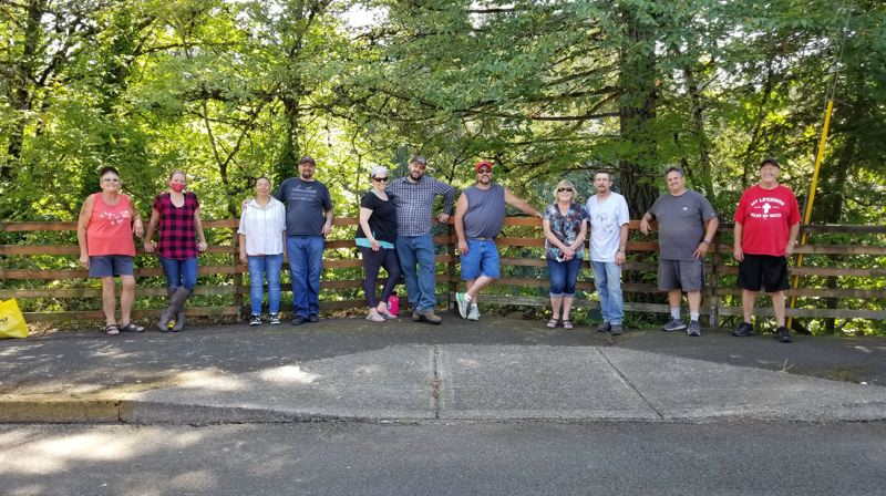 Community cleanup focuses on Lakeshore Drive