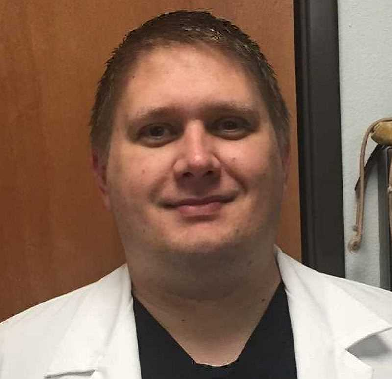 Jonathan Wisniewski, Emergency Veterinary Clinic of Tualatin (EVCOT) - EMERGENCY VETERINARY CLINIC INSIDER