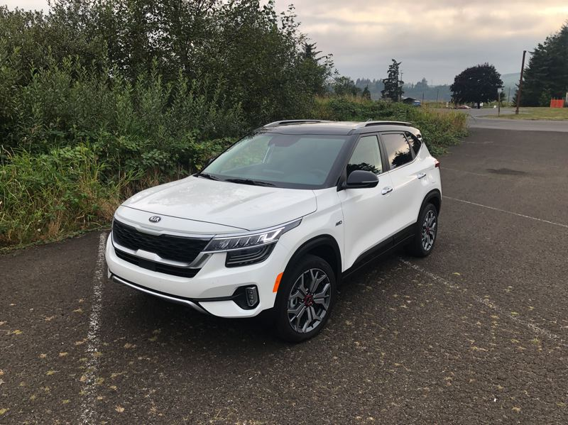 PMG PHOTO: JEFF ZURSCHMEIDE - The 2021 Kia Seltos is available withg your choice of two engines, two transmissions, and front- or all-whhel-drive — all at a very low price.
