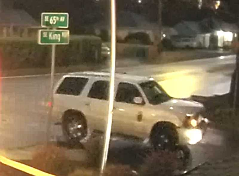 White SUV driver sought in fatal hit-and-run near Milwaukie