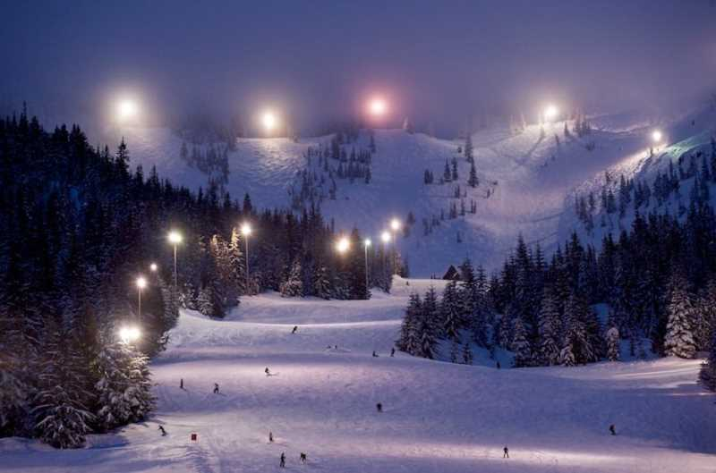 (Image is Clickable Link) Night skiing at Skibowl on Mt. Hood