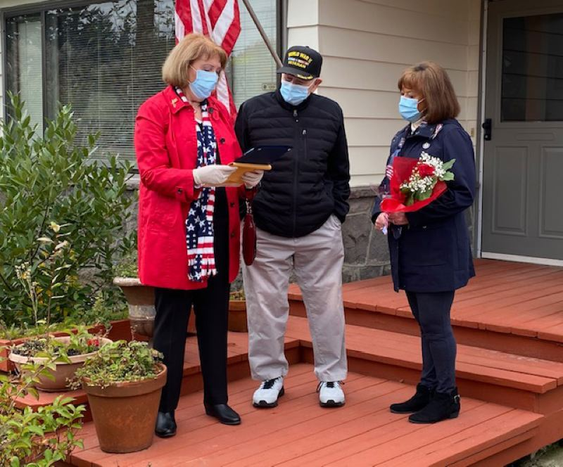 Tualatin chapter of Daughters of the American Revolution pays tribute to veterans