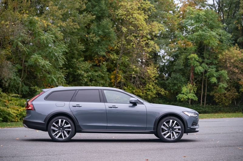 COURTESY VOLVO - The 'long roofline' styling of the 2021 Volvo V90 Cross Country T6 AWD makes it look low and sleek, despite having a large amount of interior room and cargo space.