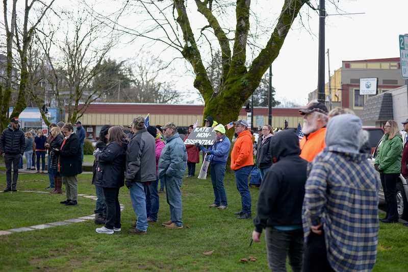 Rally calls to reopen Oregon businesses
