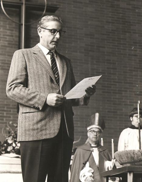 COURTESY PHOTO: SAINT BARNABAS EPISCOPAL CHURCH - In March 1972, then-State Sen. Vic Atiyeh announced that the mortgage on Saint Barnabas Episcopal Church had been paid off. Seated behind Atiyeh on the altar is Bishop Gross. Atiyeh was preparing to run for Oregon governor against Democrat Bob Straub in 1974, an election that he lost.