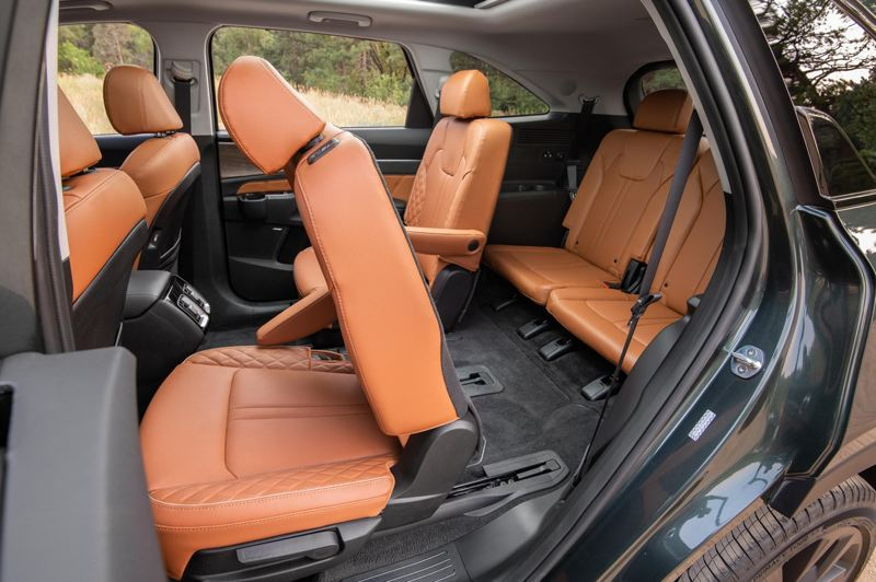 COURTESY: KIA MOTORS AMERICA - The optional second row Captains Seats makes reaching the third row a breeze.