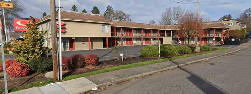 COURTESY PHOTO: GOOGLE MAPS - Clackamas County recently vetted the purchase of a 27-unit Econo Lodge motel, 17330 S.E. McLoughlin Blvd., in unincoporated Jennings Lodge.