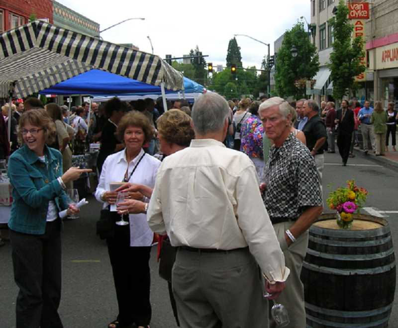 COURTESY PHOTO - Nearly 200 patrons enjoyed food and drink as part of the 'Main Course' dinner held on Main Street in downtown Forest Grove between 2003 and 2012. The Forest Grove Chamber of Commerce is trying to resurrect the event as an annual  'Farm to Table' celebration.