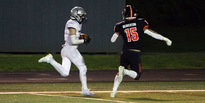 PMG PHOTO: MILES VANCE - Wilsonville senior running back Lucas Graves helped lead the Wildcats to a perfect 6-0 record during the pandemic-shortened 2021 season.