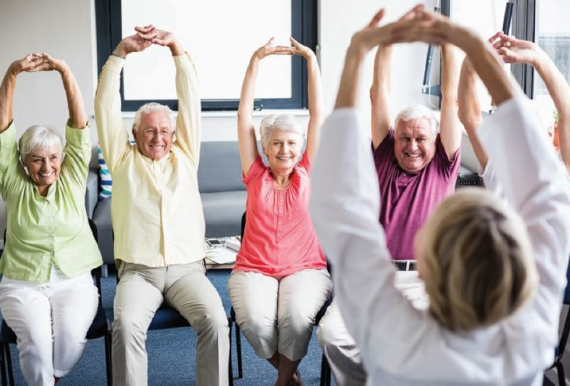 The Beehive offers an active and engaging Life Enrichment pro-gram with daily activities. Activities including, crafts, games, outings, social gatherings, and exercise classes.
