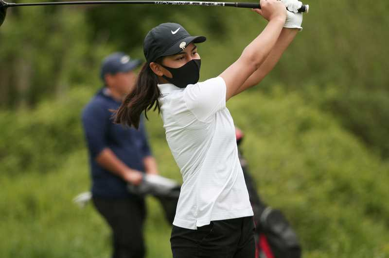 Woodburn golfers prepare for districts