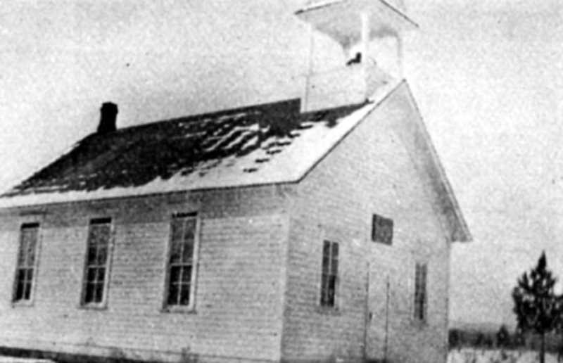 PHOTO COURTESY OF BOWMAN MUSEUM  - The Plainview school is shown in this 1915 photo.