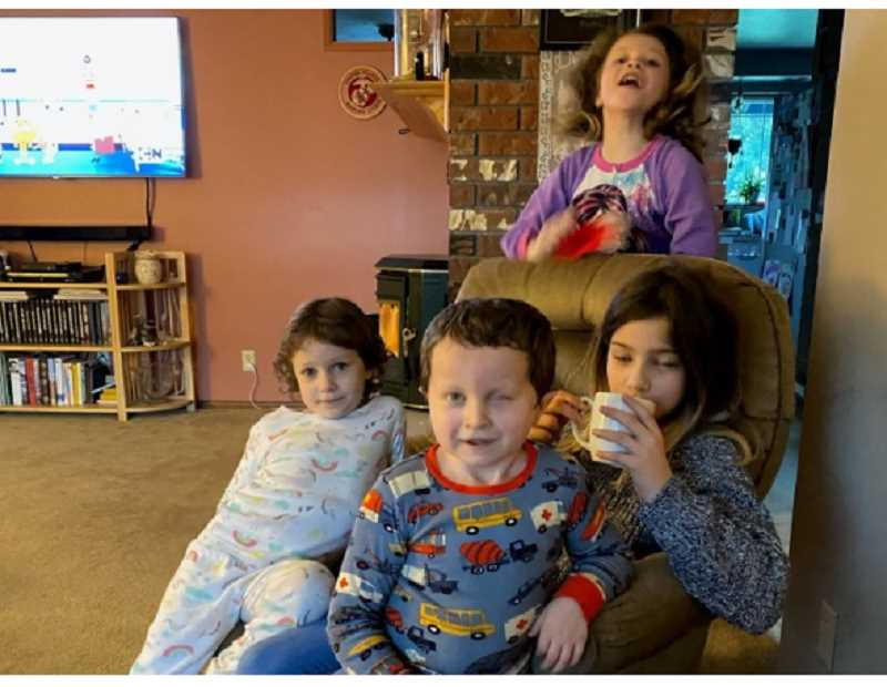 COURTESY PHOTO - Leilia Johansen, 11, Izabella Proffitt, 9, and 5-year-old twins Adisenn and Ansen Proffitt in an undated photo released by Oregon DHS on June 4.